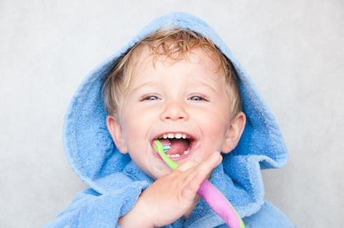 child brushing teeth at mar vista pediatric dentist